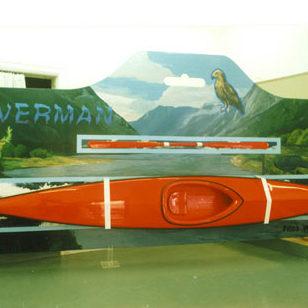 Riverman, akryl på trä, kajak. Johan Frid. En uppförstorad leksaksförpackning till skala 1:1.
